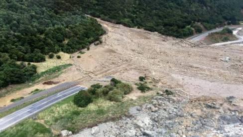 18_02-landslides-kaikoura